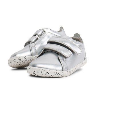 נעליים עמידות למים לילדים