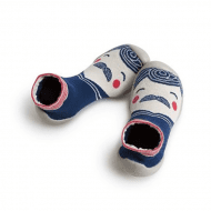 גרביים עם סולייה לחורף