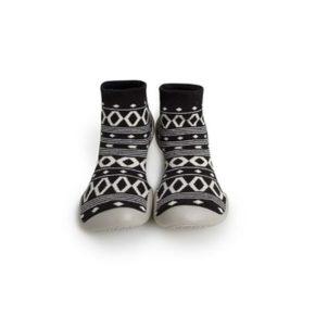 נעלי בית שחור לבן לילדים ולנשים